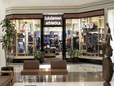 1b6d341e623c Lululemon store - 900 N. 900 North Michigan Shops