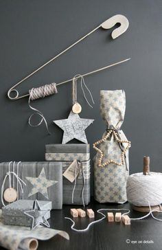 Stylizimo - Design Voice - grey christmas gift wrapping