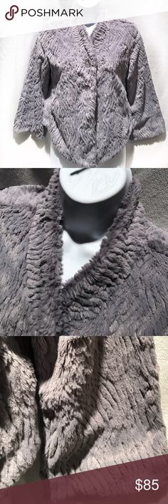 🆕Patagonia • Gray Fuzzy Jacket NWOT | Excellent Condition | Gray Coloring | Hot Pink Lining | Really Soft & Fuzzy | Silver Shimmers in Gray Fur | Long Sleeve | 2 Button Closures | Extra Button on Inside Right Bottom | 100% Polyester |🚫 Trades | More 📸 Upon Request | Ask Any Questions Needed To Help With Decision 🙋🏽| Bundles & Offers Are Welcomed ❤️| Patagonia Jackets & Coats