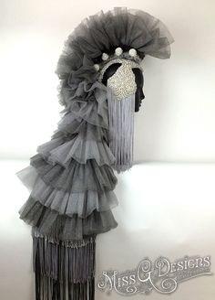 Tulle Mohawk Headdress by MissGdesigns Gothic Corset, Gothic Lolita, Gothic Steampunk, Steampunk Clothing, Victorian Gothic, Steampunk Fashion, Burlesque Costumes, Fantasy Costumes, Tulle