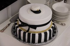 Ylioppilaskakku High School Graduation, Food Decoration, Cake Decorating, Bakery, Dessert, Party, Food Cakes, Vanilla, Kitchens