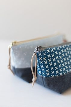 Sewing Bags a zippered pouch never hurt - Noodlehead - Well, I think this might be my last regular post for but I couldn't help but share these little Bag Patterns To Sew, Sewing Patterns Free, Sewing Hacks, Sewing Tutorials, Sewing Tips, Zipper Pouch Tutorial, Pouch Pattern, Diy Couture, Fabric Bags