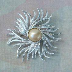 Emmons 1960s ATLANTIS Star Swirl Pin Brooch Vintage Jewelry