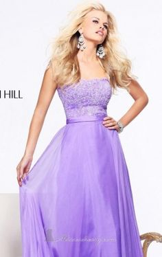 Sherri Hill dresses are designer gowns for television and film stars. Find out why her prom dresses and couture dresses are the choice of young Hollywood. Sherri Hill Wedding Dresses, Mini Prom Dresses, Prom Dress 2014, Unique Prom Dresses, Prom Dress Shopping, Prom Dresses Online, Colored Wedding Dresses, Strapless Dress Formal, Beautiful Dresses