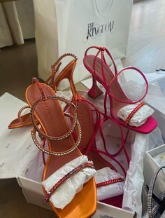 Look Fashion, Fashion Shoes, Shoes Sneakers, Shoes Heels, Shoe Boots, Cute Heels, Pretty Heels, Aesthetic Shoes, Designer Heels