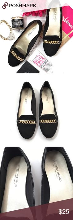 Christian Siriano Round Toe Gold Chain Flats * Solid black flats with gold chain decor * Size 9 * Christian Siriano brand * Suede material * Round toe * Pre-Owned, great condition Christian Siriano Shoes Flats & Loafers
