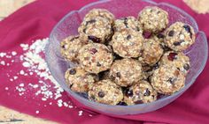 These delicious guilt free snacks are just what you have been missing. Seventeen easy and healthy dessert recipes that won't sabotage your weight loss. Hash Browns, Doritos, Camping Snacks, Healthy Snacks, Healthy Recipes, Brunch, Protein Ball, Hot, Food For A Crowd