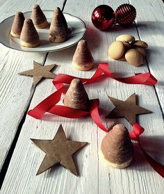 FoodLover: Vosí hnízda Gingerbread Cookies, Christmas Cookies, Xmas, Treats, Retro, Sweet, Desserts, Blog, Gingerbread Cupcakes