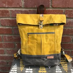 I'm super proud of my latest finish, the pattern by I used waxed canvas by The lining… The Range Backpack , an excellent pattern by Noodlehead, has b. Waxed Canvas Bag, Canvas Purse, Backpack Pattern, Wallet Pattern, Top Backpacks, Canvas Backpacks, Diy Backpack, Waterproof Backpack, Bag Patterns To Sew