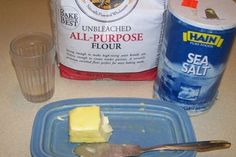Easy Bake Water Crackers: 8 Steps Water Crackers Recipe, 4 Ingredient Recipes, Party Platters, Easy Snacks, 4 Ingredients, Food To Make, Baking, Bread, Vegan