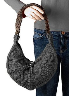 very trendy knit bag. gorgeous. just gorgeous. free #knitting pattern