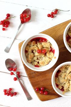 Wicked sweet kitchen: Red currant crumble pies