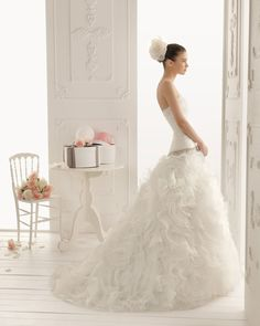 2013-wedding-dress-aire-barcelona-bridal-gowns-romina