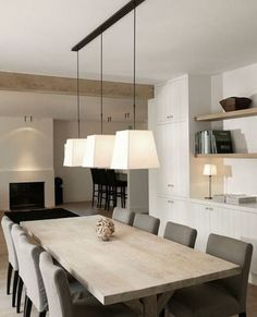 Perfect Minimalist Dining Room Table Idea - Home Decor Interior Dining Room Design, Dining Room Table, Hall Deco, Casa Loft, Minimalist Dining Room, Dining Room Lighting, Interior Design Living Room, Interior Styling, Decorating Your Home