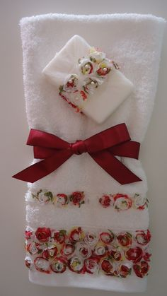 decorative hand towels set of 2 - PIPicStats Decorative Hand Towels, Sewing Projects, Projects To Try, Towel Dress, Towel Crafts, Embroidered Towels, Hand Towel Sets, Bathroom Towels, Luxury Gifts