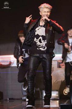 Rap Monster at Skool Luv Affair showcase Jimin, Bts Bangtan Boy, Mixtape, K Pop, Shinee, Rapper, Skool Luv Affair, Bts Facebook, Bts Rap Monster