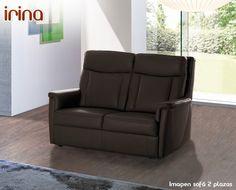 Está disponible en 2 plazas (140 cm), 3 plazas (180 cm), un conjunto 3+2 (formado por un modelo 2 plazas y un modelo 3 plazas), 2 plazas relax (140 cm), 3 plazas relax (180 cm),  3 plazas relax con 3 asientos (198 cm) y sillón relax (82 cm).