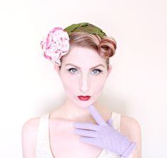 1950s Hat / VINTAGE / 50s Hat / Gardenia / Flower Crown / Headpiece / Fascinator / WOW by HighHatCouture on Etsy