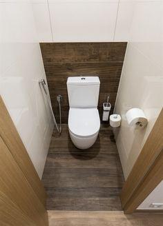 Simple Bathroom Designs, Modern Bathroom Design, Bathroom Interior Design, Toilet Room Decor, Small Toilet Room, Wooden Bathroom, Small Bathroom, Lavabo Exterior, Bathroom Floor Plans