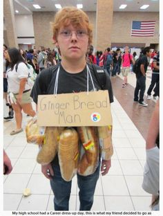 Funny pictures about Ginger Bread Man. Oh, and cool pics about Ginger Bread Man. Also, Ginger Bread Man photos. Pun Costumes, Punny Halloween Costumes, Diy Halloween, Costume Ideas, Clever Costumes, Play On Words Costumes, Funny Halloween Memes, Halloween Office, Awesome Costumes