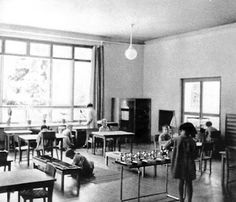 The Montessori Heart of Texas: Montessori History: Children at Work in Classrooms