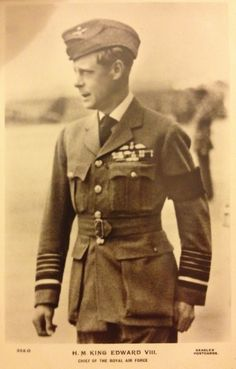 Chief of the RAF........EDWARD VIII (WONDER IF HE HAD HIS UNIFORMS TAILOR MADE ???.....ccp