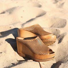 HOMBRE wedge Hobbs Shoes, Buy Shoes Online, Heeled Mules, Wedge, Heels, Summer, Fashion, Men, Moda