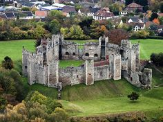 Framlingham Castle, The castle had belonged to Thomas Howard, uncle of Anne Boelyn and Catherine Howard. Henry VIII  confiscated it when Thomas Howard fell out of favour in 1547. Edward VI passed the property on to his sister and she lived there during his reign.