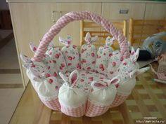 пасхальная корзинка с кроликами (18) (700x525, 161Kb)