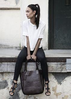 Yvonne Koné | Minimal + Chic | @CO DE + / F_ORM