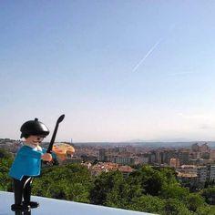 Make ARt Your Life #playmobil #fineartist #landscape #girona #urbanart #catalonia #artist #performance #art #total_toyspics #total_girona #from_your_perspective #skyline #achotel #palaudebellavista #catalunya_llum #catalandscapes #thegironist #playmo #viulallum #myworld_in_blue #rustlord_sky #playmobilart #portaits #toy #gayart #playmobilfans #loves_portrait #lamejorfotoplaymobil