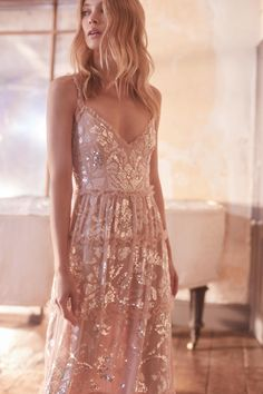 Does Dreamy, Romantic Style Quite Like Needle and Thread. Pretty Dresses, Beautiful Dresses, Romantic Outfit, Romantic Style Fashion, Romantic Clothing, Romantic Dresses, Classy Fashion, Petite Fashion, French Fashion