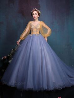 Retro Baroque Sequins Beading Appliques Round Neck Long Sleeves Lace-up Sweep Train Floor Length Ball Gown Dress