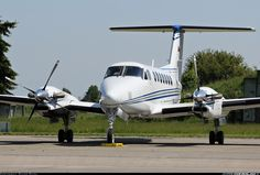 Hawker Beechcraft 350 King Air (B300) aircraft picture