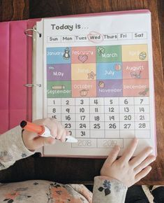Preschool Morning Work Binder - Home Schooling Ideas Preschool At Home, Preschool Classroom, Preschool Kindergarten, Preschool Binder, Preschool Schedule, Preschool Homework, Kindergarten Morning Work, Morning Work For Preschool, Preschool Calendar Time