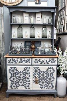 Antiquechic - Page 2 of 70 - recycling and reinventing furniture Shabby, Painted Furniture, Liquor Cabinet, Decorative Boxes, Projects To Try, Storage, Diy, Home Decor, Creative