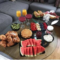 Uploaded by Find images and videos about food, yummy and delicious on We Heart It - the app to get lost in what you love. Cute Food, Good Food, Yummy Food, Think Food, Food Goals, Aesthetic Food, Food Cravings, Food Presentation, Food Inspiration