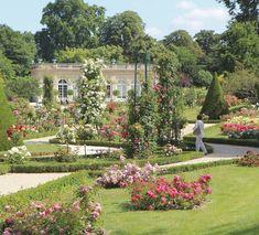 Parc De Bagatelle Http Www Spottedbylocals Com Paris Parc De