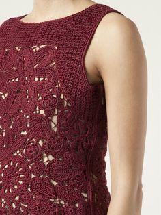 Oscar De La Renta Round Neck Crochet Tank