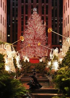 :sparkle: Rockefeller Plaza, NYC during Christmas :sparkle: One of my favorite places to go when I am home for the holidays. :hearts: