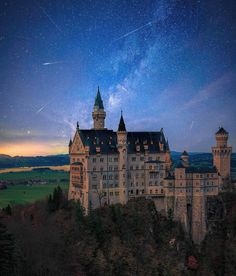 Solve Castle jigsaw puzzle online with 168 pieces Beautiful Castles, Beautiful Places, Beautiful Wallpaper Photo, Home Library Design, Neuschwanstein Castle, Fantasy Castle, Futuristic Architecture, Haunted Places, Romanesque