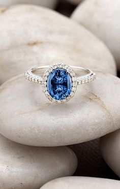 Love this dazzling and unique sapphire ring.