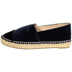 Preowned Chanel New In Box Dark Navy Velvet Espadrilles Sz 39 (488.945 CLP) ❤ liked on Polyvore featuring shoes, blue, blue shoes, espadrille shoes, blue velvet shoes, low-heel espadrilles and chanel