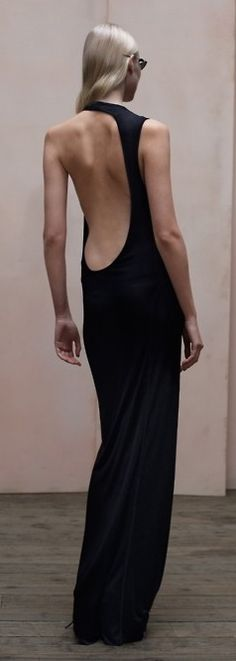 Wow! Check out the back of this black long dress!!!! Very sexy!!!!
