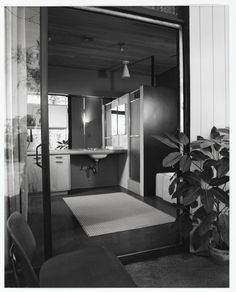 Bathroom of Case Study House No. 9.  Architects Charles Eames and Eero Saarinen  Photography by Julius Shulman