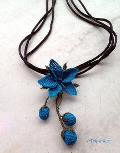 Handmade Turkish Needle Lace Blue Flower Necklace