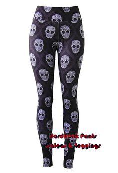 Calça Legging Estampa Caveirinhas Arabesco ~ Cintura Alta #calça #legging #estampada #CinturaAlta #suplex #moda #feminina #alternativa #goth #gótica #rock #caveira #caveirinhas #caveirismo #cranio #skull #arabesco #fitness #academia #treino #gym #workout #ginastica #RoupasParaMalhar #estilo #visual #SejaDiferente #HardRockPants
