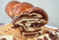 Cozonac bicolor cu cacao și cremă de ciocolată - extra pufos și moale   Savori Urbane Romanian Food, Loaf Cake, Dessert Recipes, Desserts, Food To Make, Nom Nom, Easy Meals, Easter, Sweets