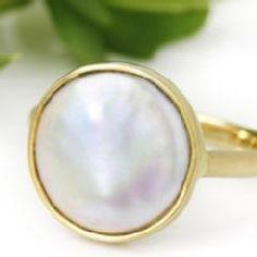 fresh water pearl 淡水パールがキレイhttp://www.bizoux.jp/fs/bizoux/p7100118-9_bx