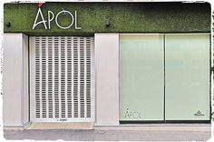 Forro decoratico de #cespedartificial en fachada. Garage Doors, Bar, Outdoor Decor, Room, Furniture, Home Decor, Artificial Turf, Vertical Gardens, Bedroom